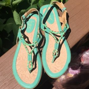 BOC sandals size 8 in great condition